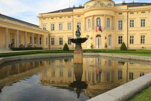 Schlosshotel Károlyi, Fehérvárcsurgó - Unterkunft auf dem Marienweg