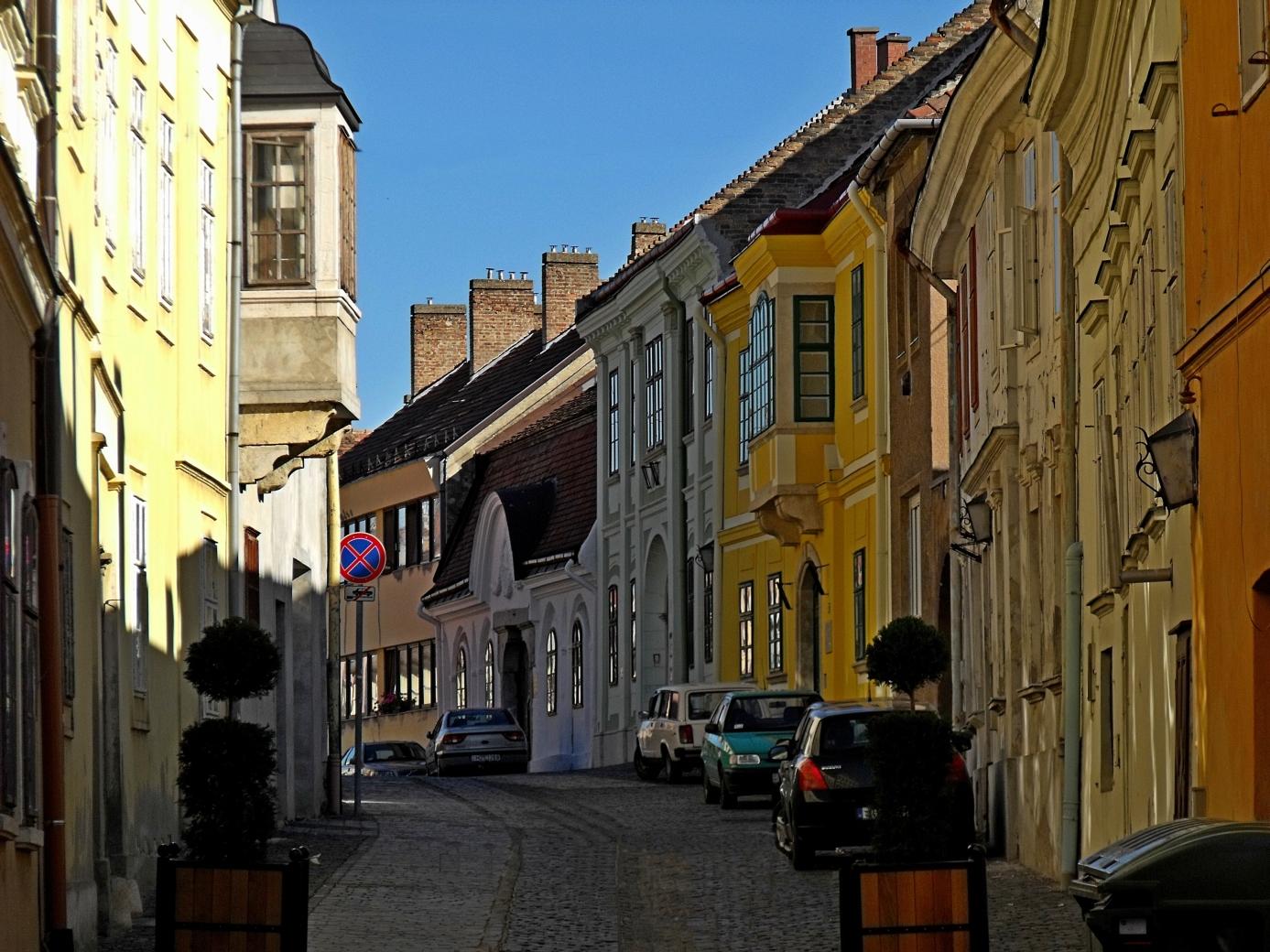 Altstadt von Székesfehérvár - auf dem Marienweg mit Pannon Pilgrim